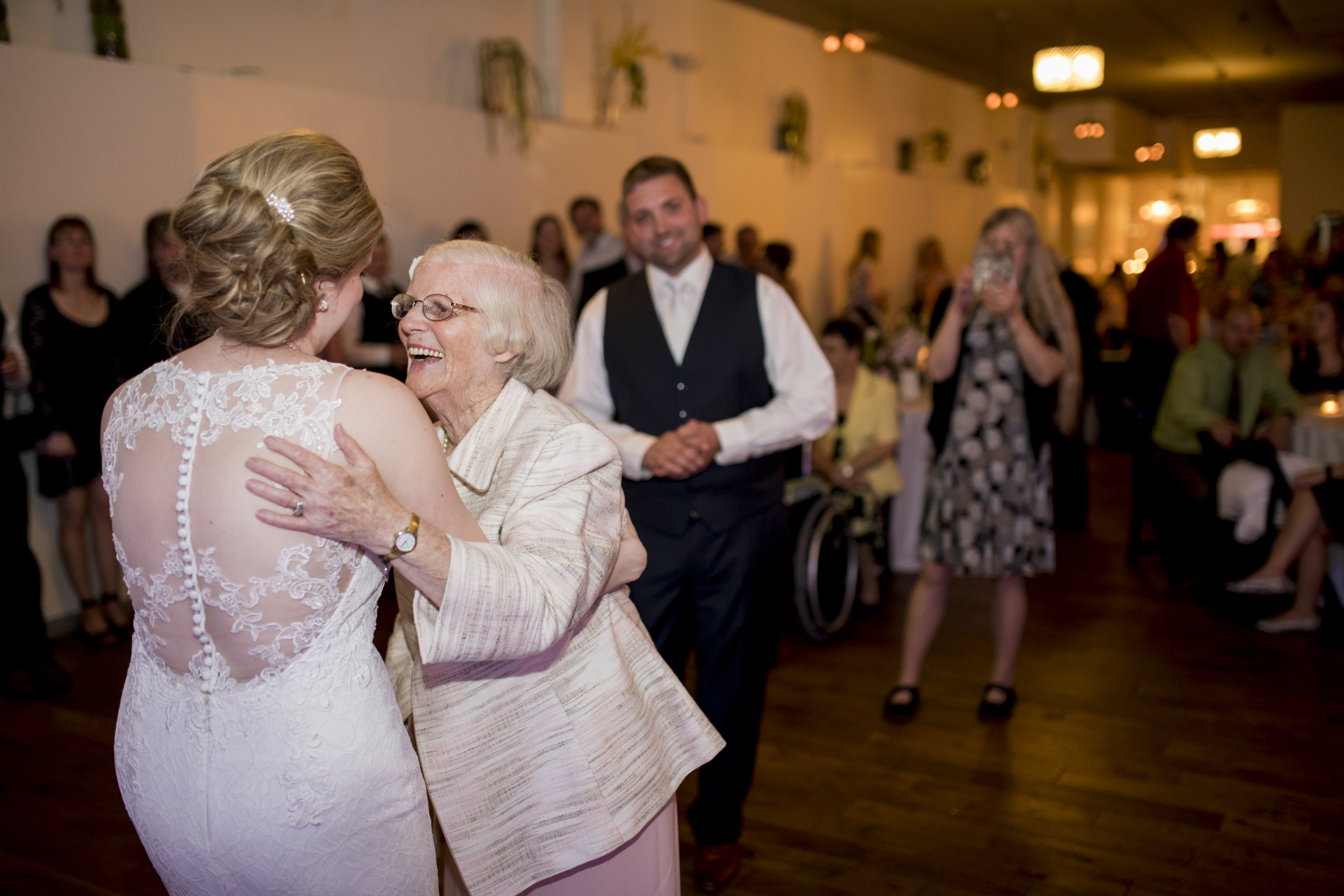seattle, destination, milwaukee, candid, photojournalistic, wedding, summer-086.jpg