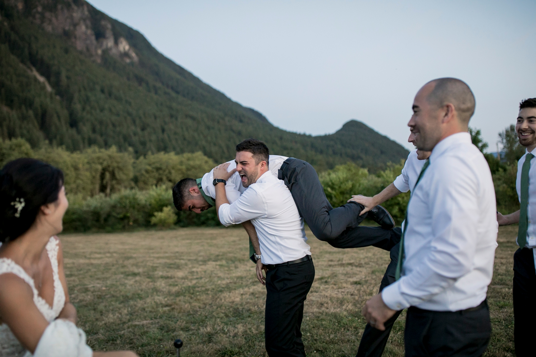 seatte, wedding, photographer, North Bend, Bybee Farms, Snoqualmie, issaqua,_0115.jpg