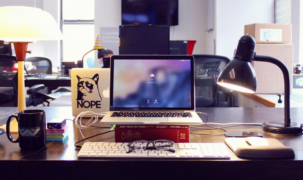 Desk-Lee-Ellis-1-1042x620.jpg