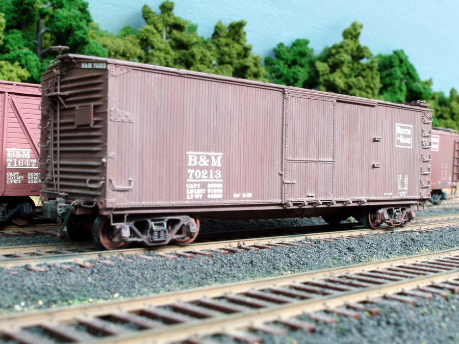 70213 is one of 500 double sheathed boxcars built for the B&M using a USRA design (the United States Railroad Administration of WWI).  Built by Edward J. Ozog from an F&C kit. Photographed and submitted by Mr. Ozog. Photo 795