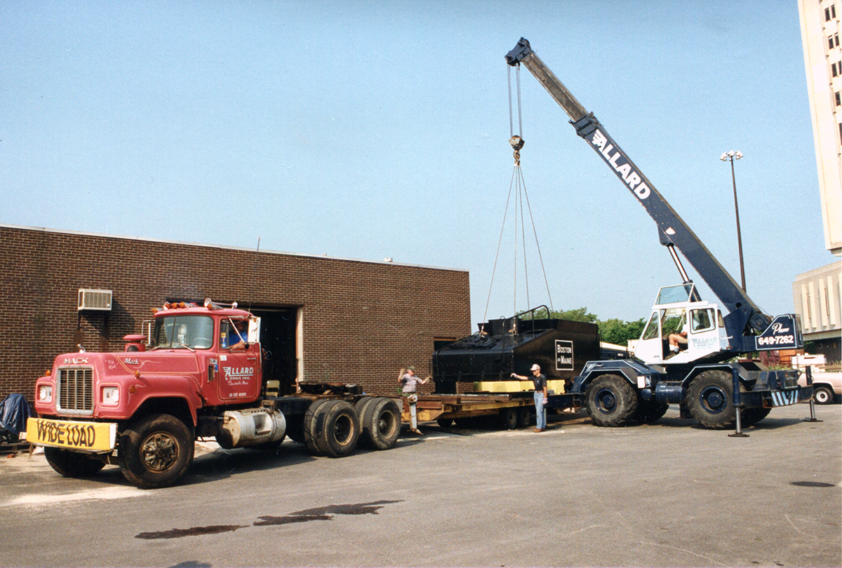 July 10, 1993 - Lowell, MA - Preparing to move the tender tank back to Billerica. Ed Felten photo, courtesy Jim Nigzus Collection.