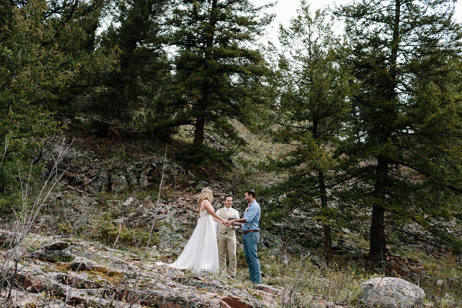 027-vail-elopement-photographer-chris-and-tara.jpg