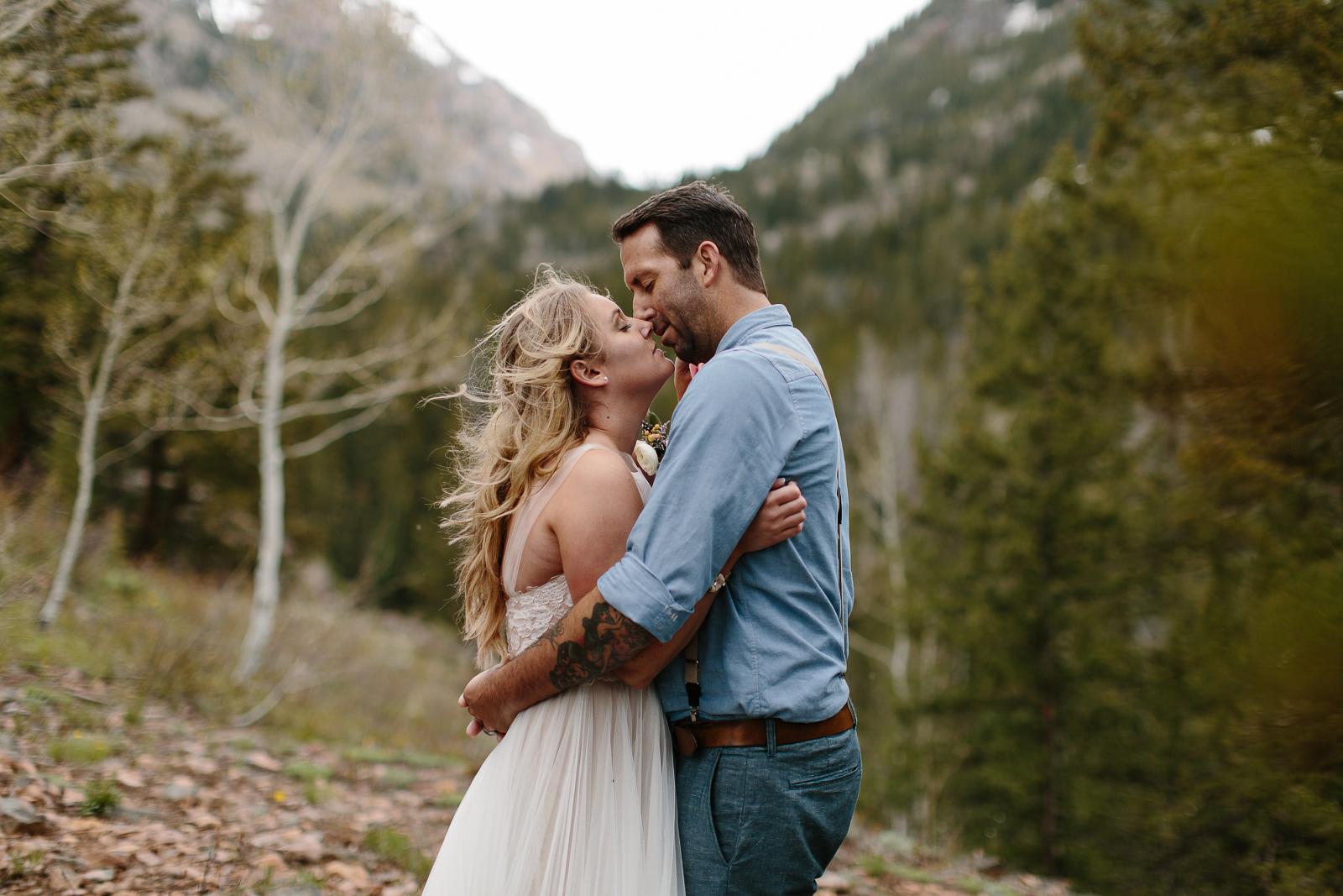 058-vail-elopement-photographer-chris-and-tara.jpg