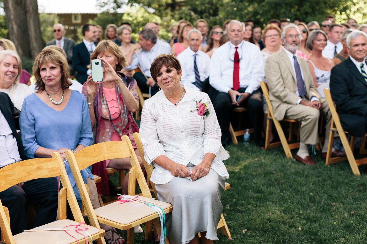 Lyons-Farmette-Wedding-Photographer-Lucy-Austin-Flash-Mob-Dance-16.jpg