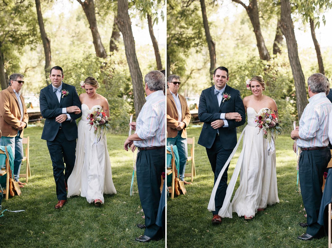 Lyons-Farmette-Wedding-Photographer-Lucy-Austin-Flash-Mob-Dance-18.jpg