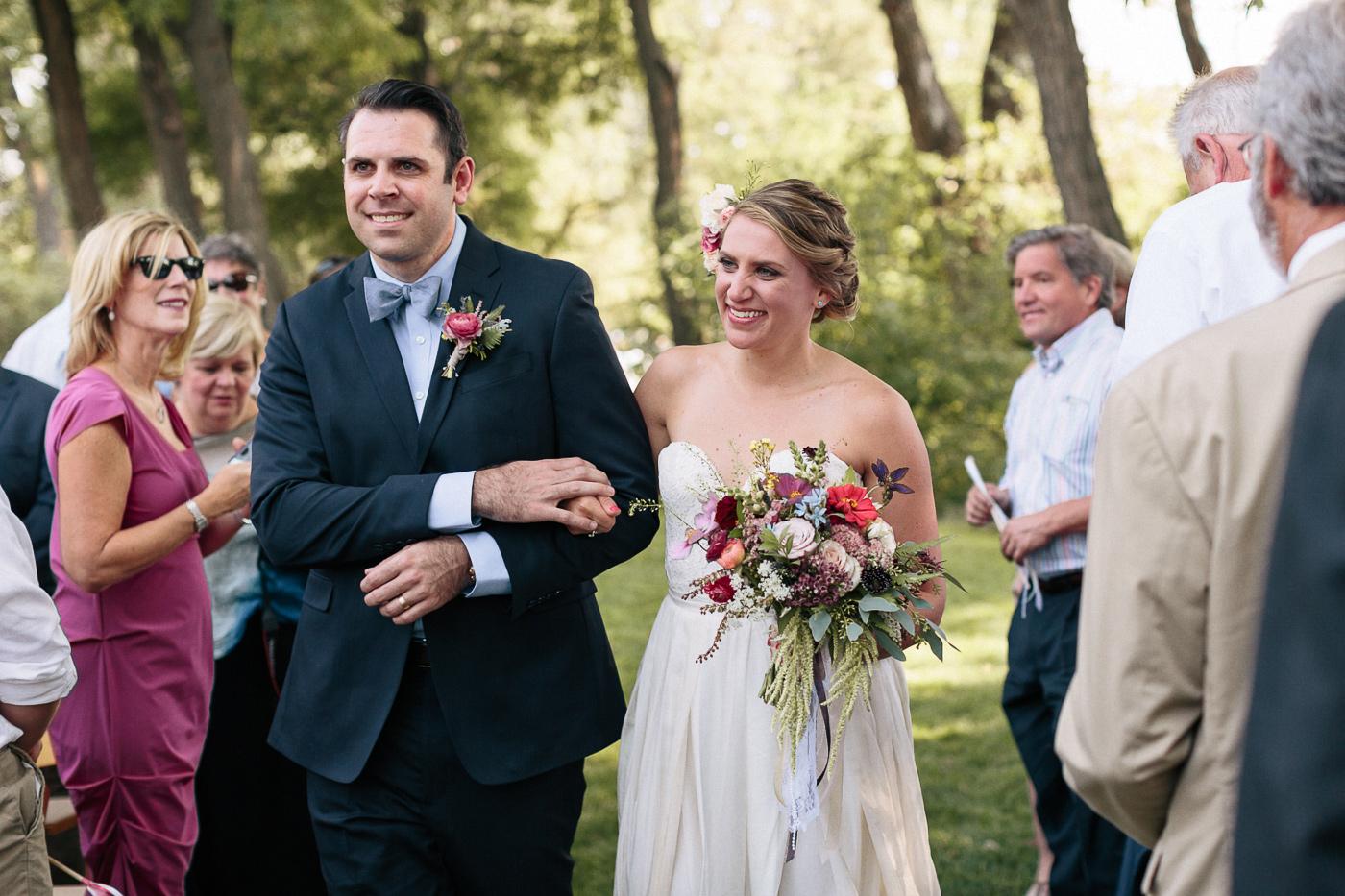 Lyons-Farmette-Wedding-Photographer-Lucy-Austin-Flash-Mob-Dance-19.jpg