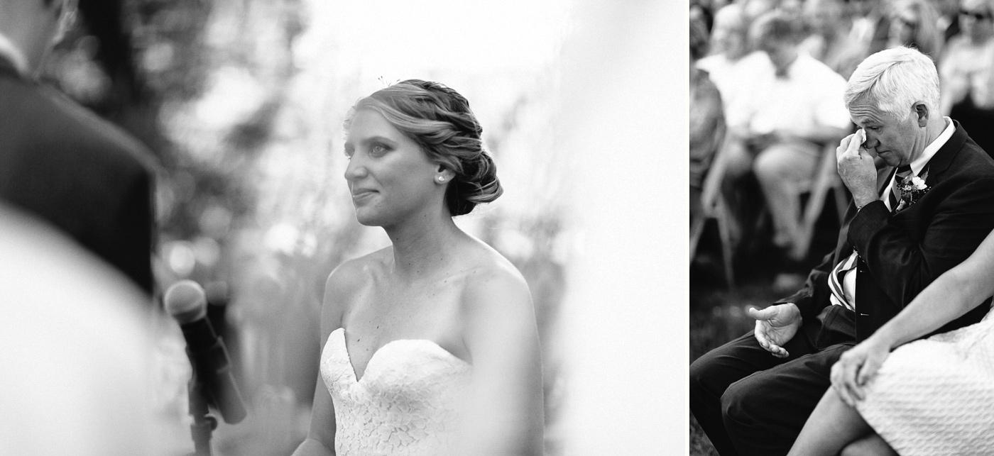 Lyons-Farmette-Wedding-Photographer-Lucy-Austin-Flash-Mob-Dance-24.jpg