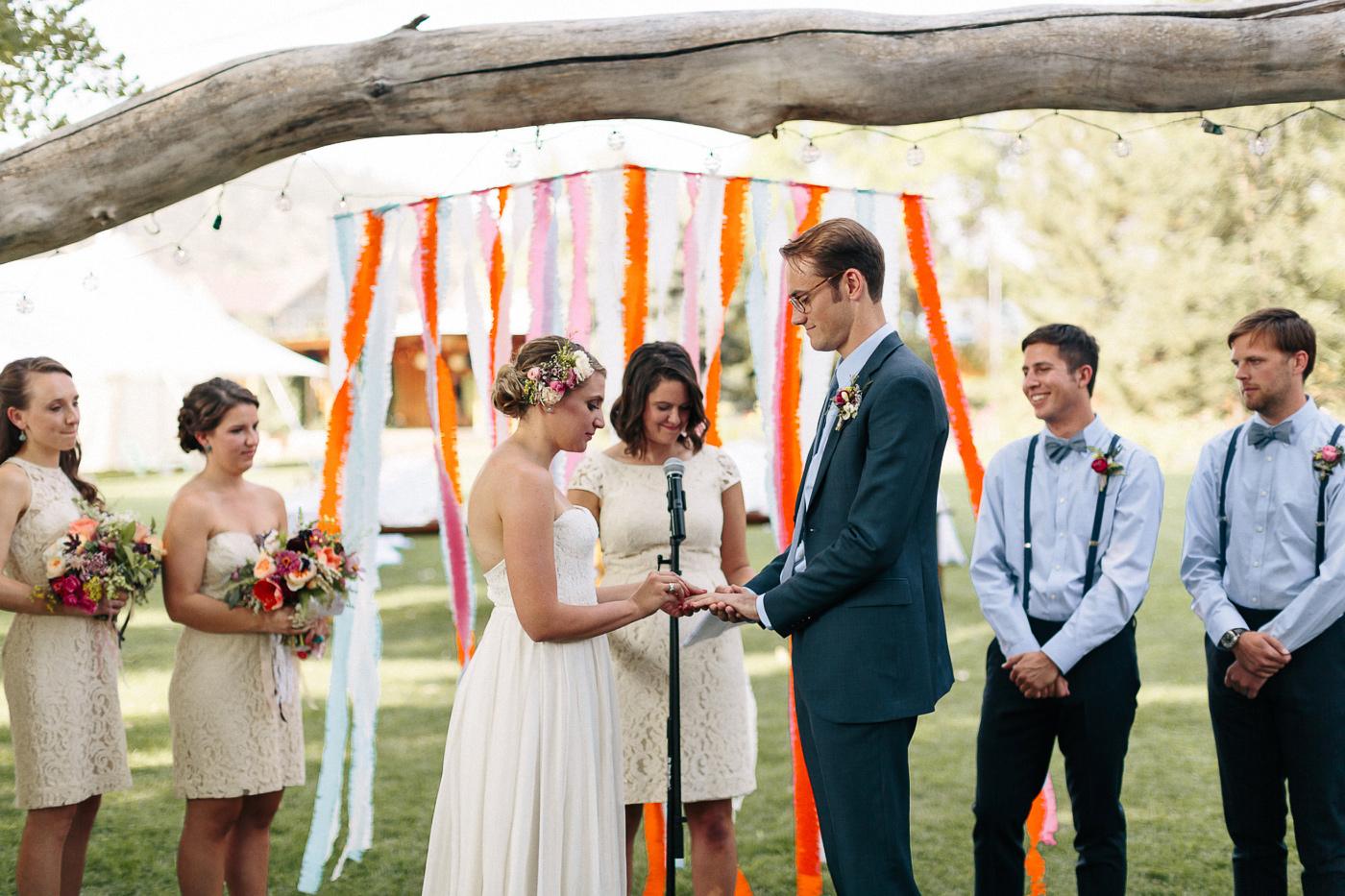 Lyons-Farmette-Wedding-Photographer-Lucy-Austin-Flash-Mob-Dance-25.jpg