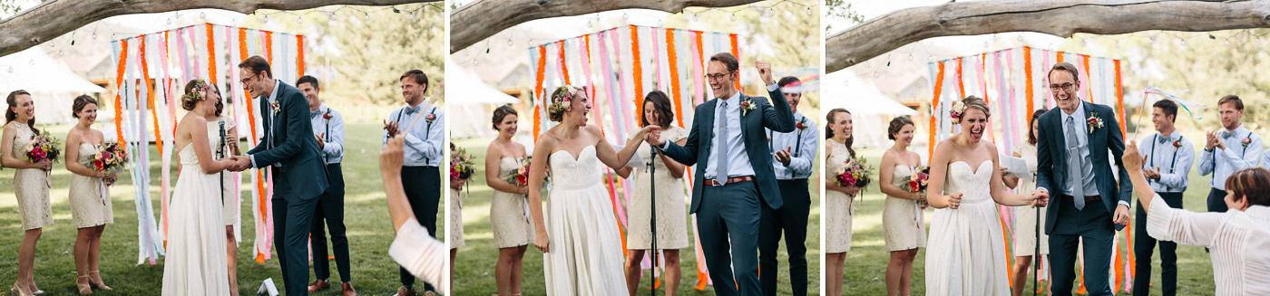 Lyons-Farmette-Wedding-Photographer-Lucy-Austin-Flash-Mob-Dance-28.jpg