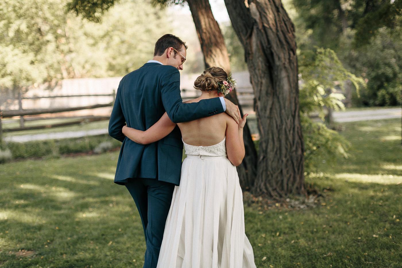 Lyons-Farmette-Wedding-Photographer-Lucy-Austin-Flash-Mob-Dance-29.jpg