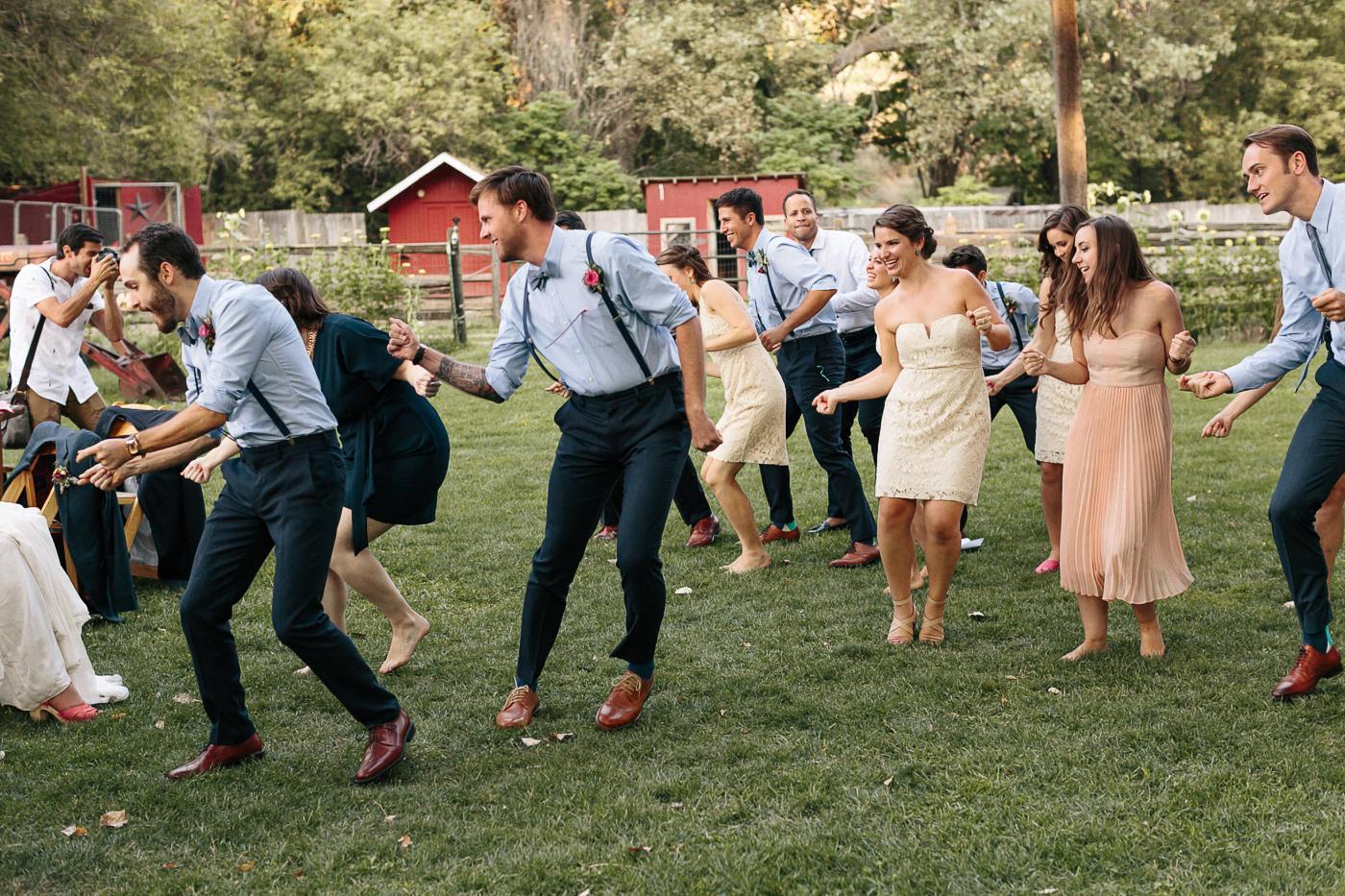 Lyons-Farmette-Wedding-Photographer-Lucy-Austin-Flash-Mob-Dance-49.jpg