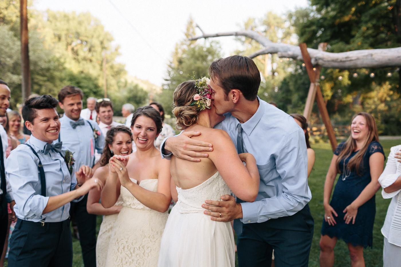 Lyons-Farmette-Wedding-Photographer-Lucy-Austin-Flash-Mob-Dance-55.jpg