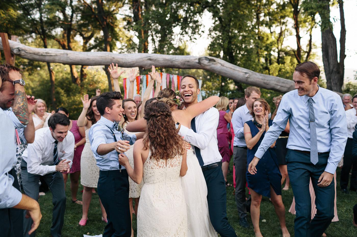 Lyons-Farmette-Wedding-Photographer-Lucy-Austin-Flash-Mob-Dance-54.jpg