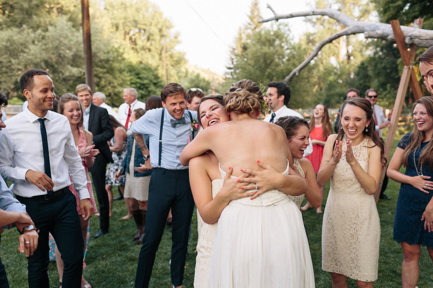Lyons-Farmette-Wedding-Photographer-Lucy-Austin-Flash-Mob-Dance-56.jpg