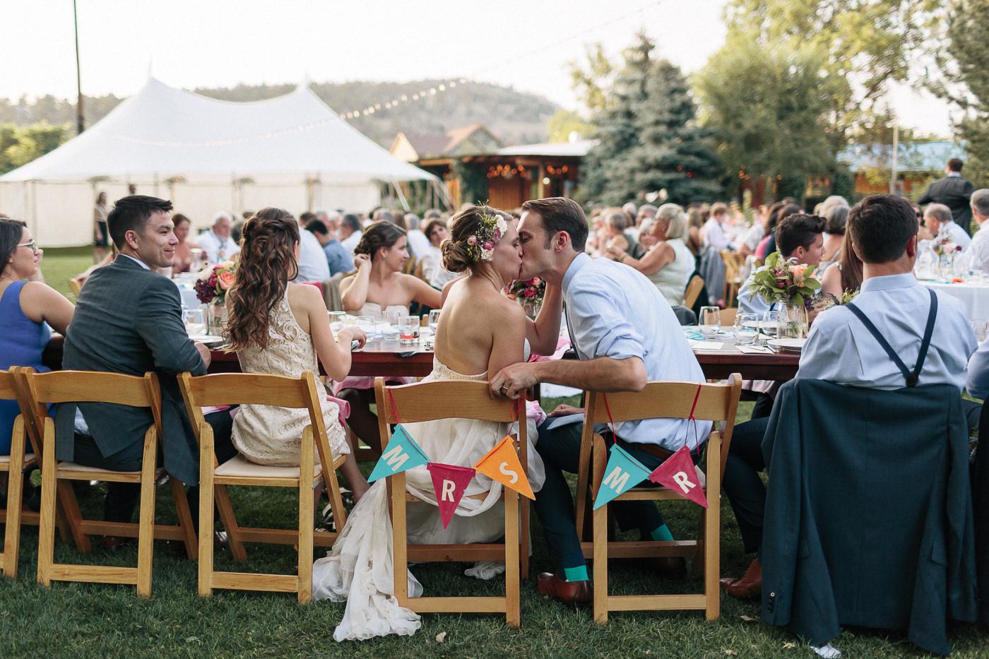 Lyons-Farmette-Wedding-Photographer-Lucy-Austin-Flash-Mob-Dance-61.jpg