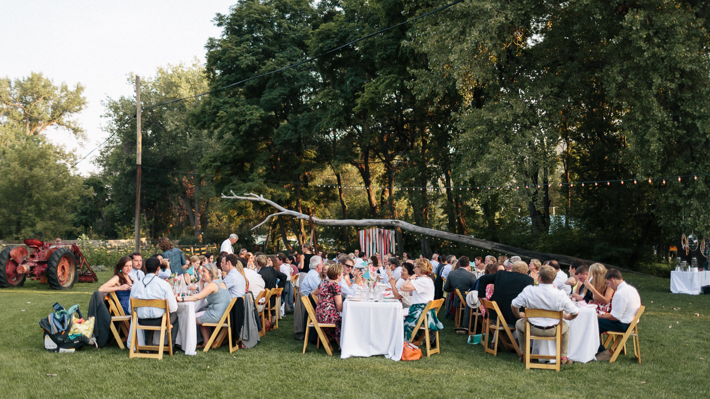 Lyons-Farmette-Wedding-Photographer-Lucy-Austin-Flash-Mob-Dance-60.jpg