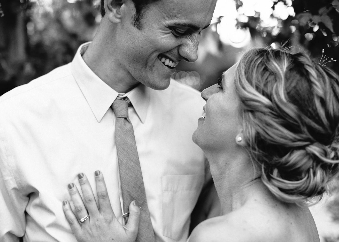 Lyons-Farmette-Wedding-Photographer-Lucy-Austin-Flash-Mob-Dance-70.jpg
