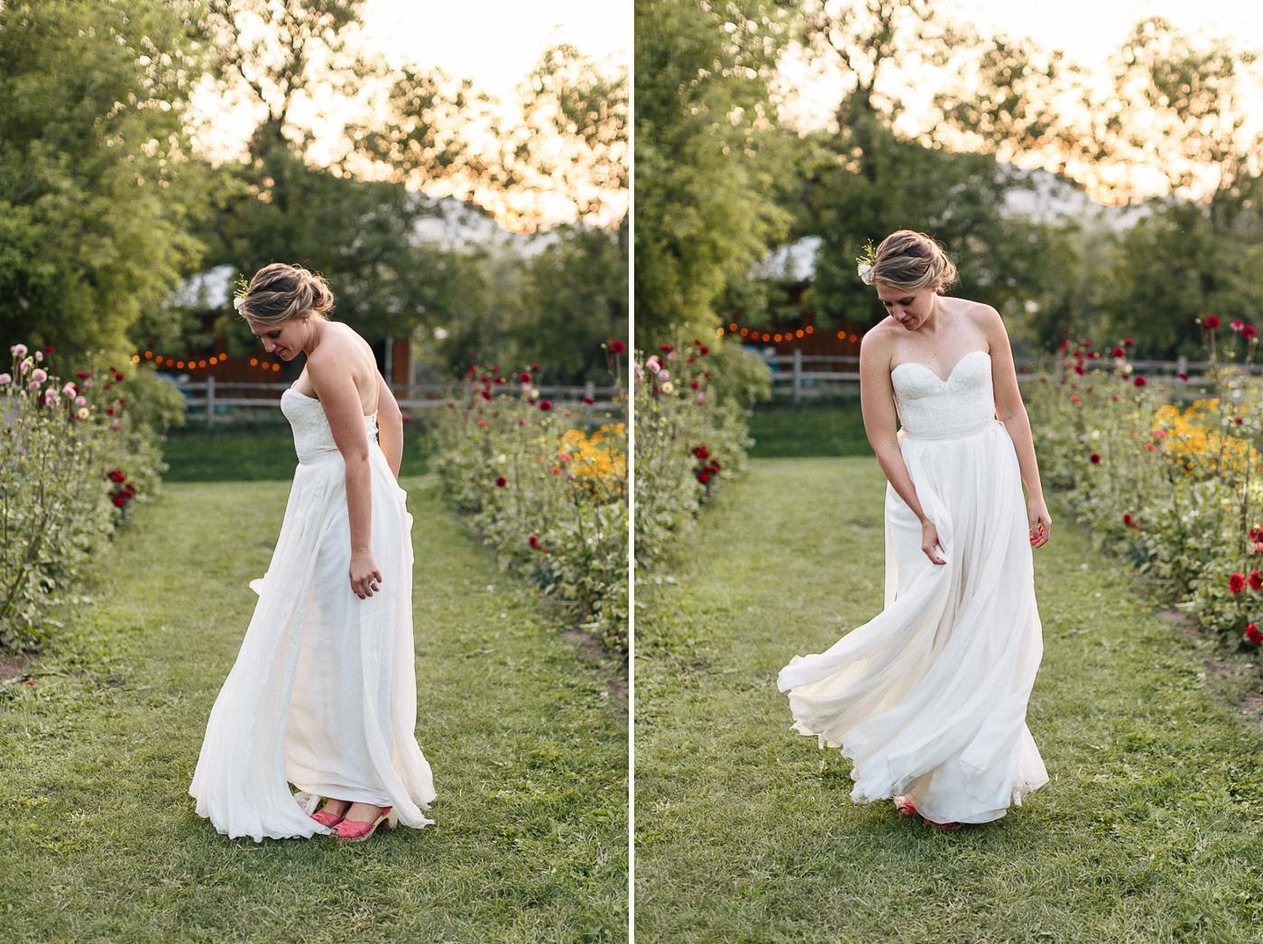 Lyons-Farmette-Wedding-Photographer-Lucy-Austin-Flash-Mob-Dance-71.jpg
