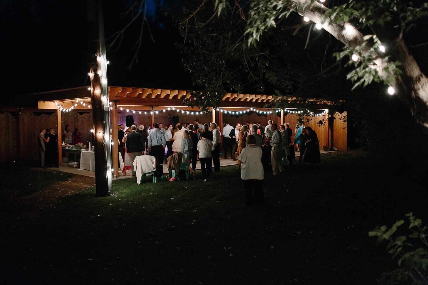 Lyons-Farmette-Wedding-Photographer-Lucy-Austin-Flash-Mob-Dance-78.jpg