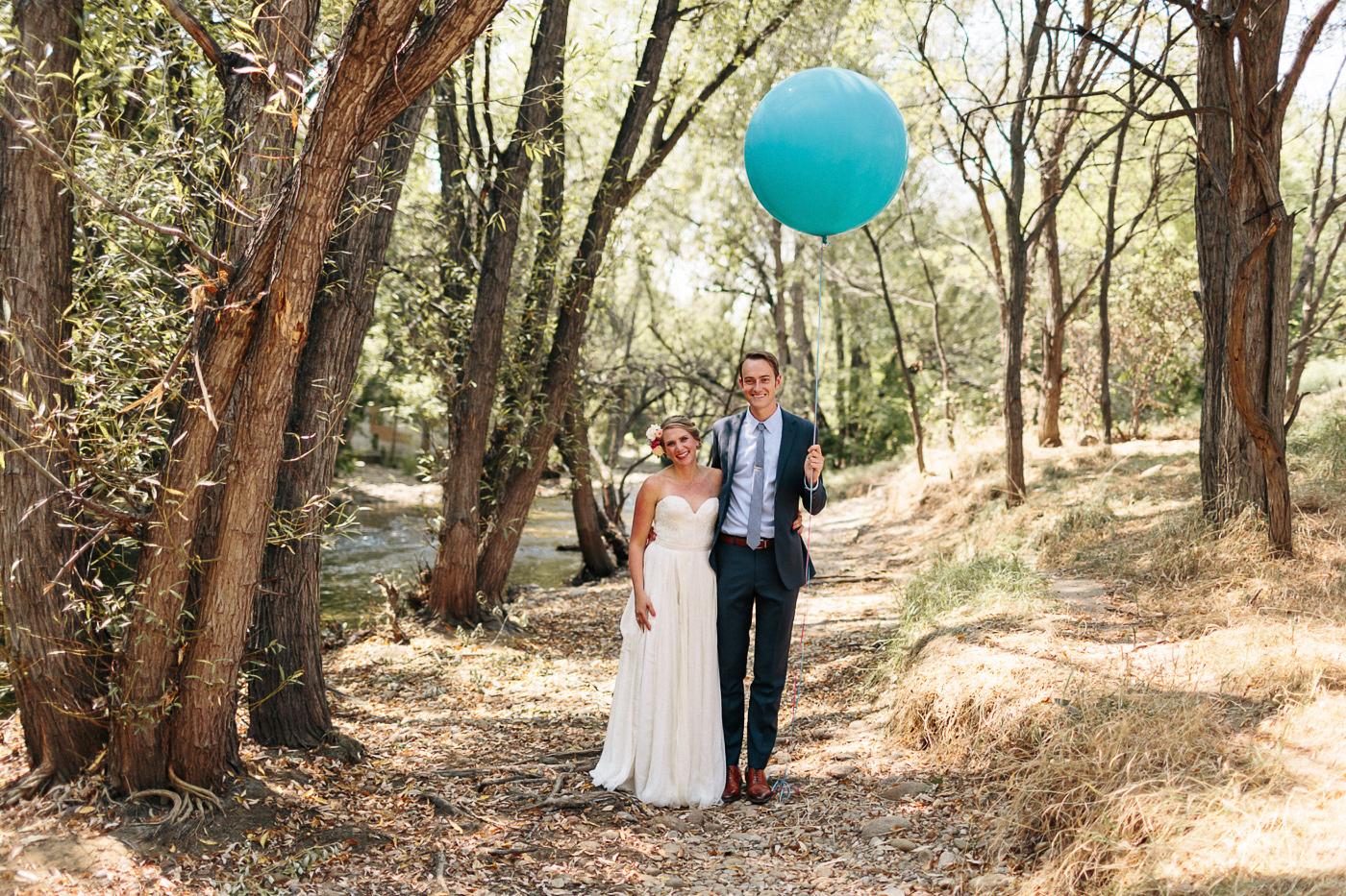 105-lyons-farmette-wedding-photographer-lucy-austin-flash-mob-dance.jpg
