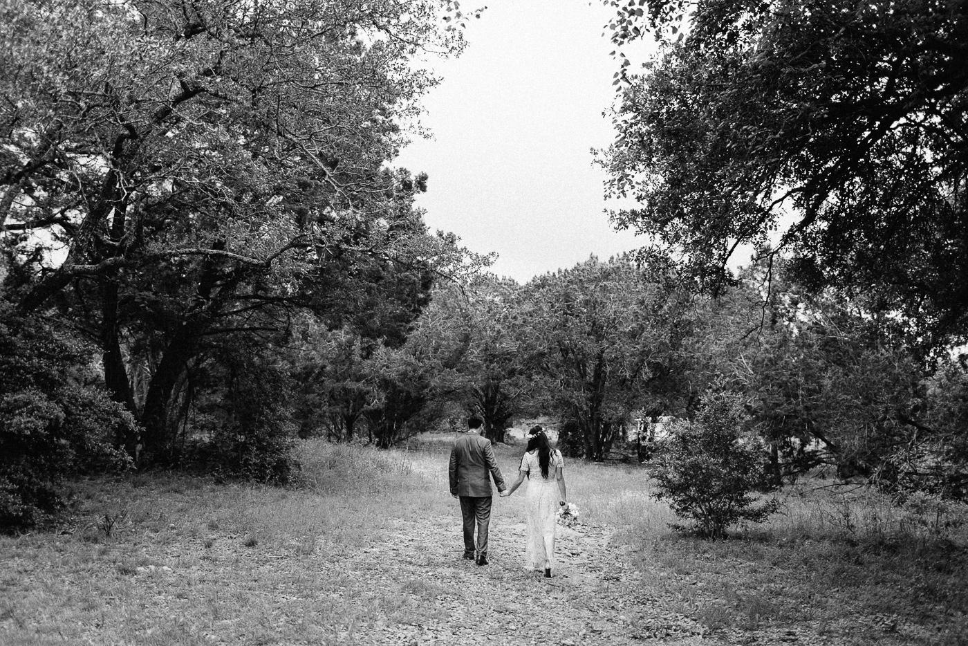 261-wimberley-texas-intimate-backyard-wedding.jpg