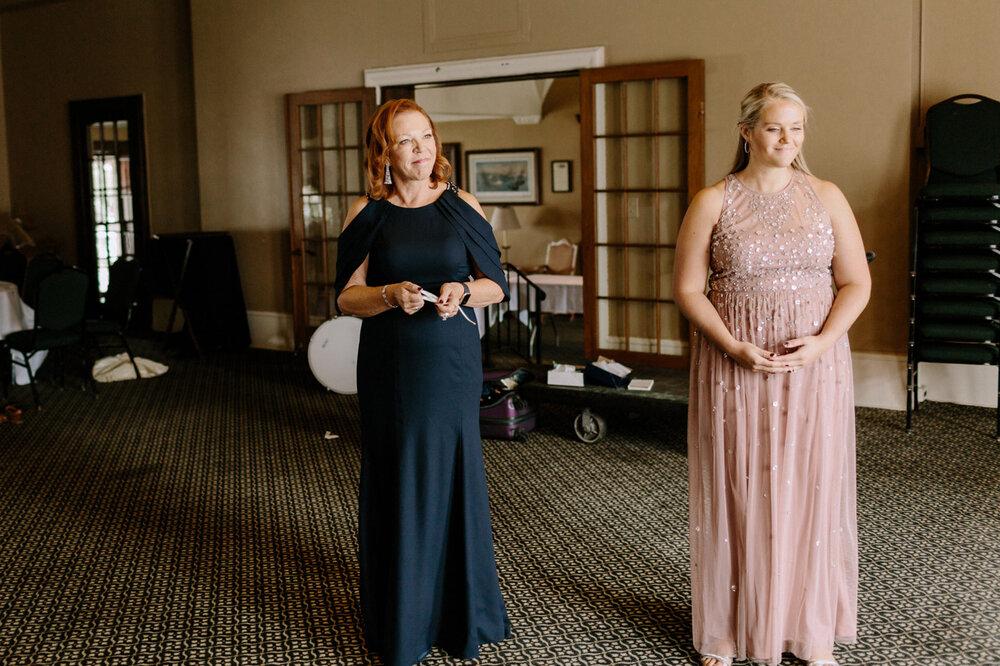 Detroit-Yacht-Club-Wedding-Photographer-17.jpg