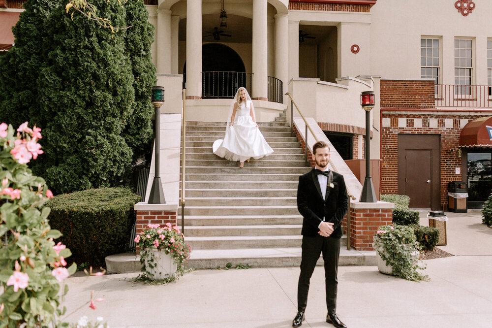 Detroit-Yacht-Club-Wedding-Photographer-23.jpg