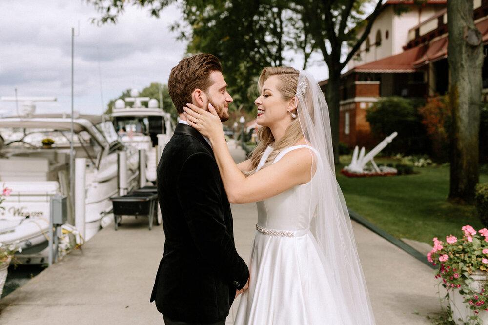 Detroit-Yacht-Club-Wedding-Photographer-25.jpg