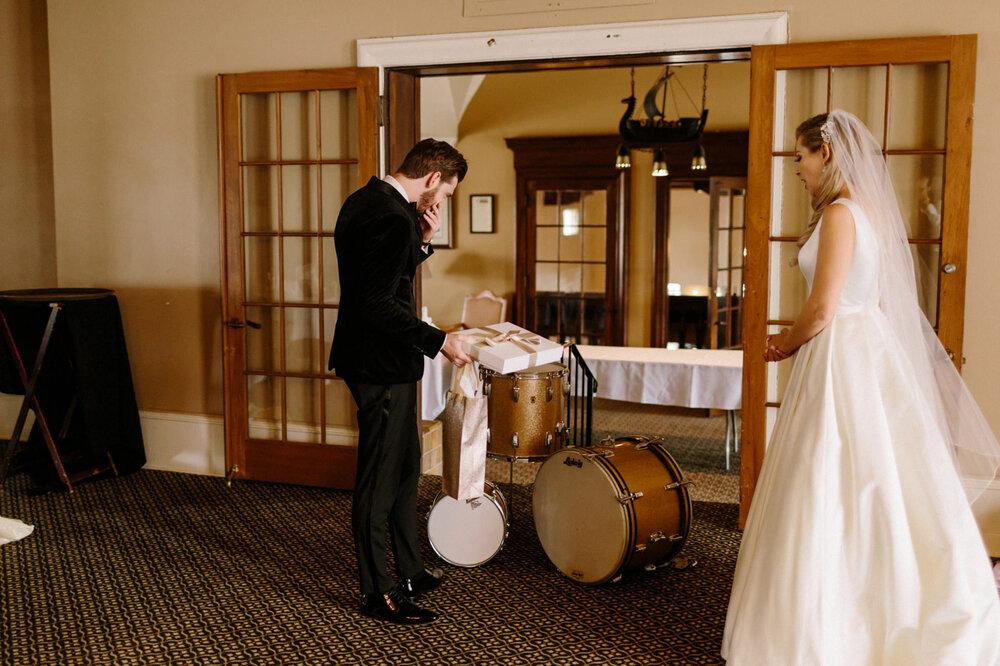 Detroit-Yacht-Club-Wedding-Photographer-28.jpg