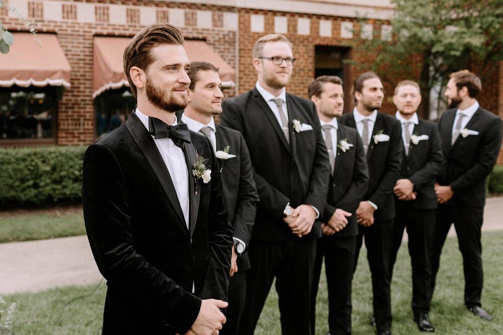 Detroit-Yacht-Club-Wedding-Photographer-44.jpg
