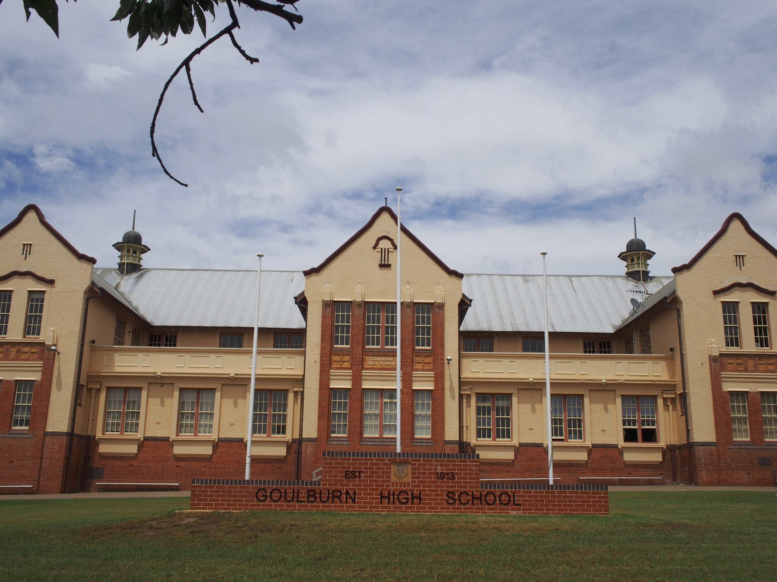 The old stomping ground. Had a lovely walk through memory lane in my old High School. Gorgeous!