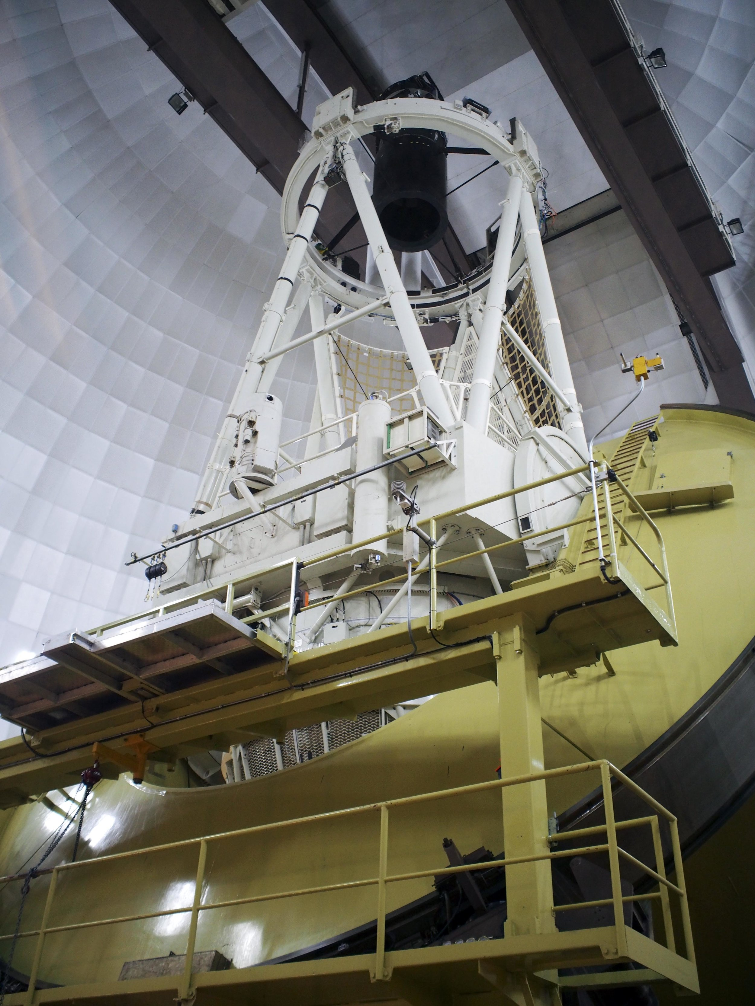The largest Telescope in Australia at the Siding Springs Observatory … Massive