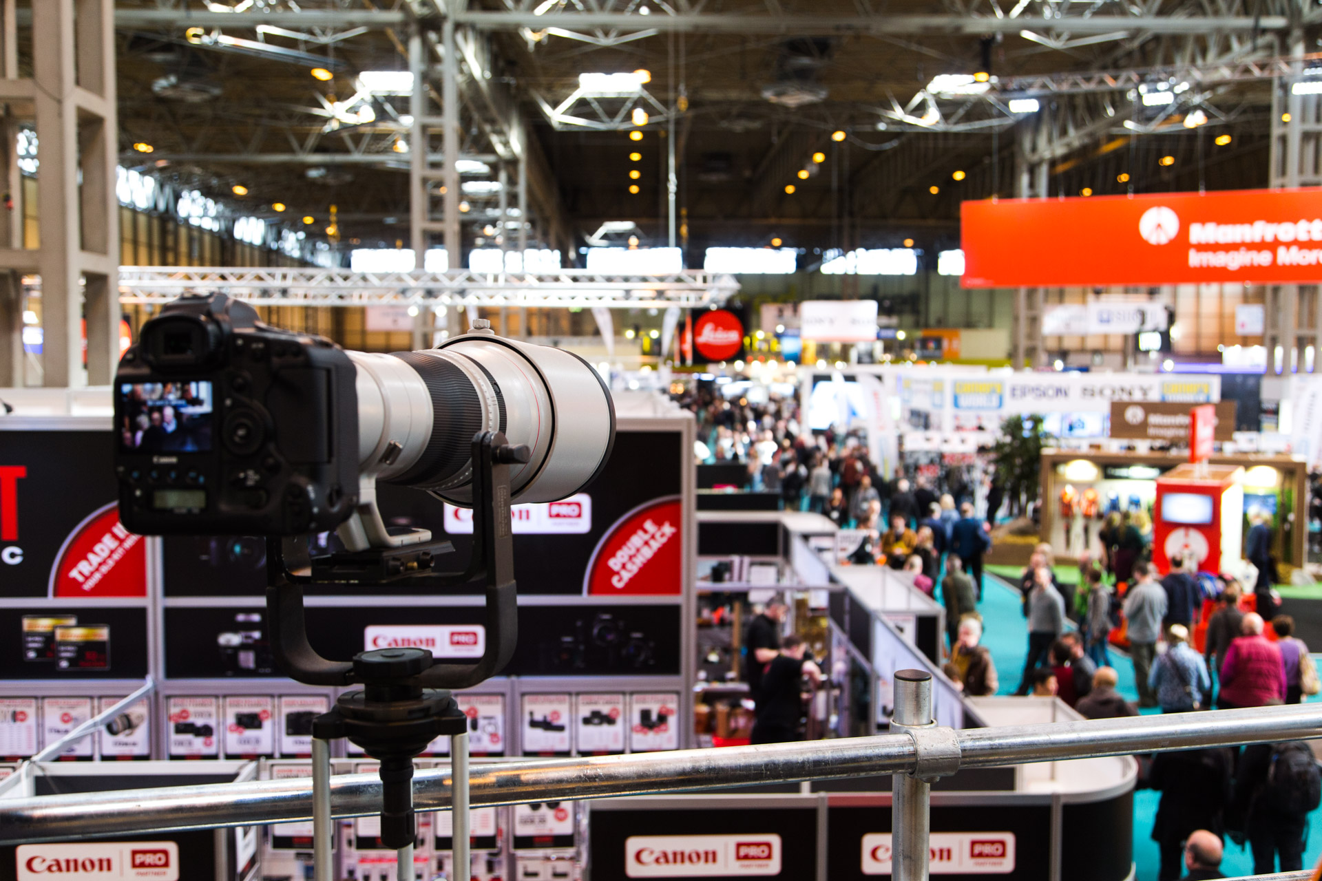 Canon 1DX & Canon EF 600mm f/4.0 L IS II USM Lens.