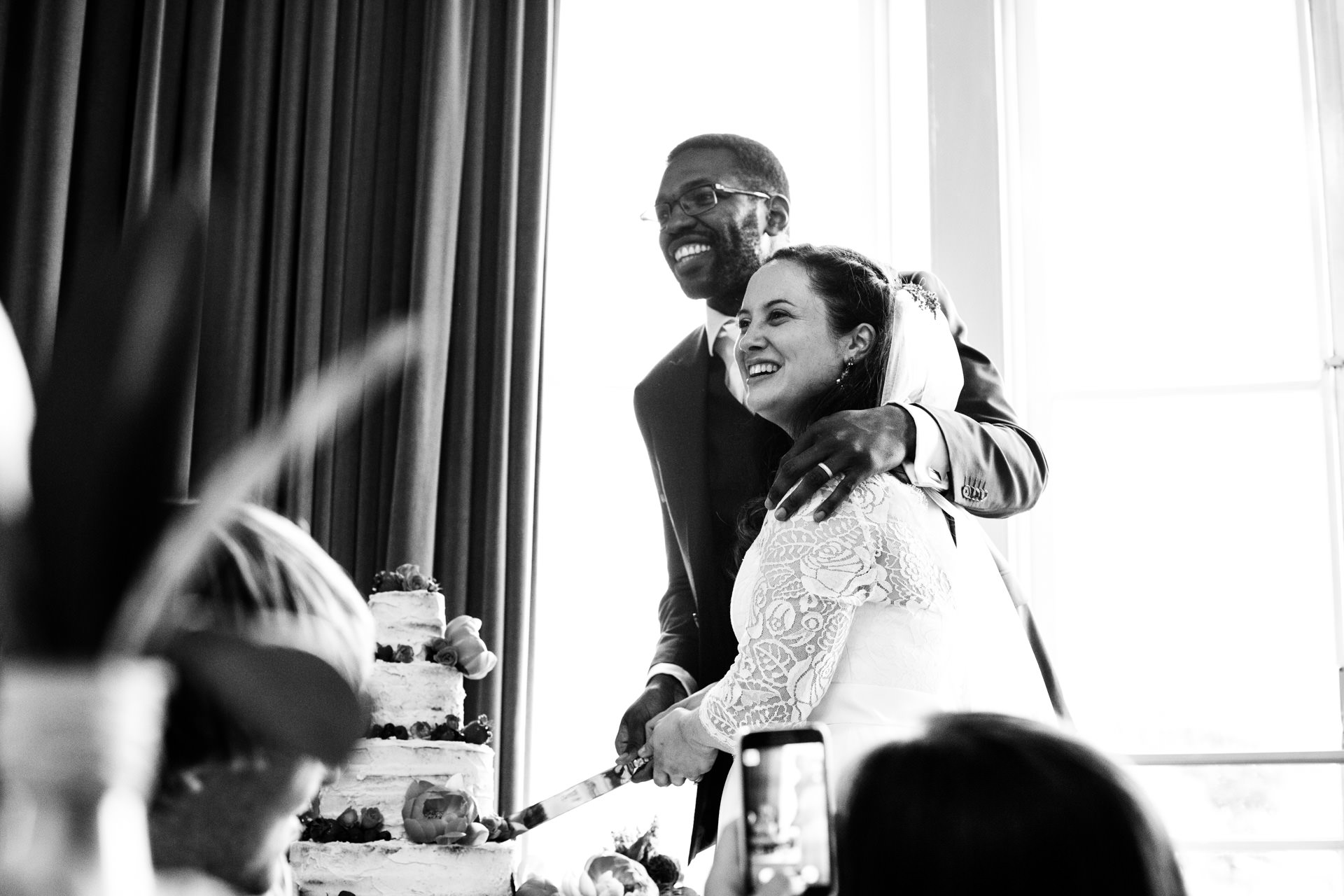 The happy couple cut the cake!