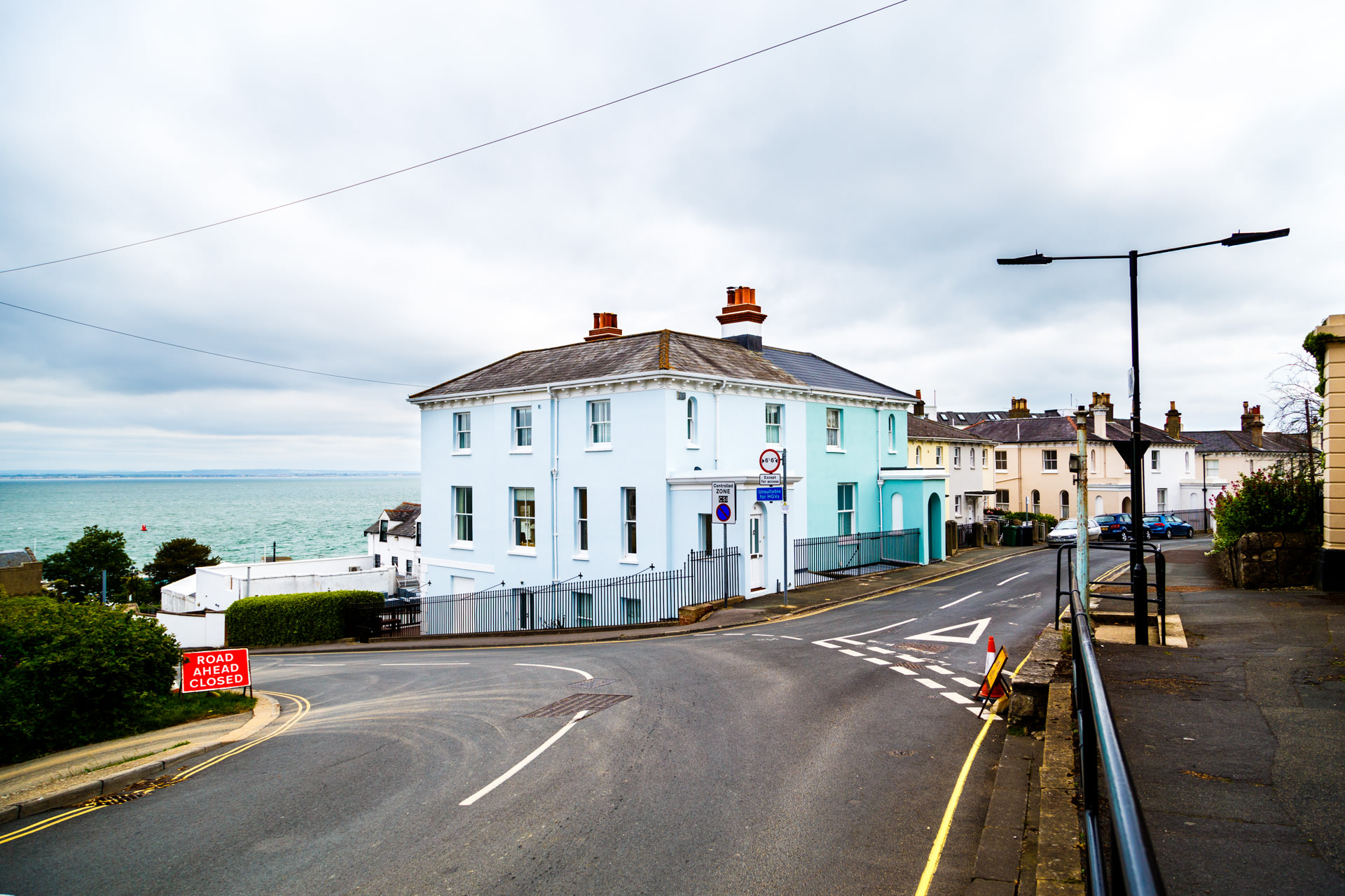 Day 1 - winding down to the sea-front of Cowes, we decided to take a walk west along the coast.