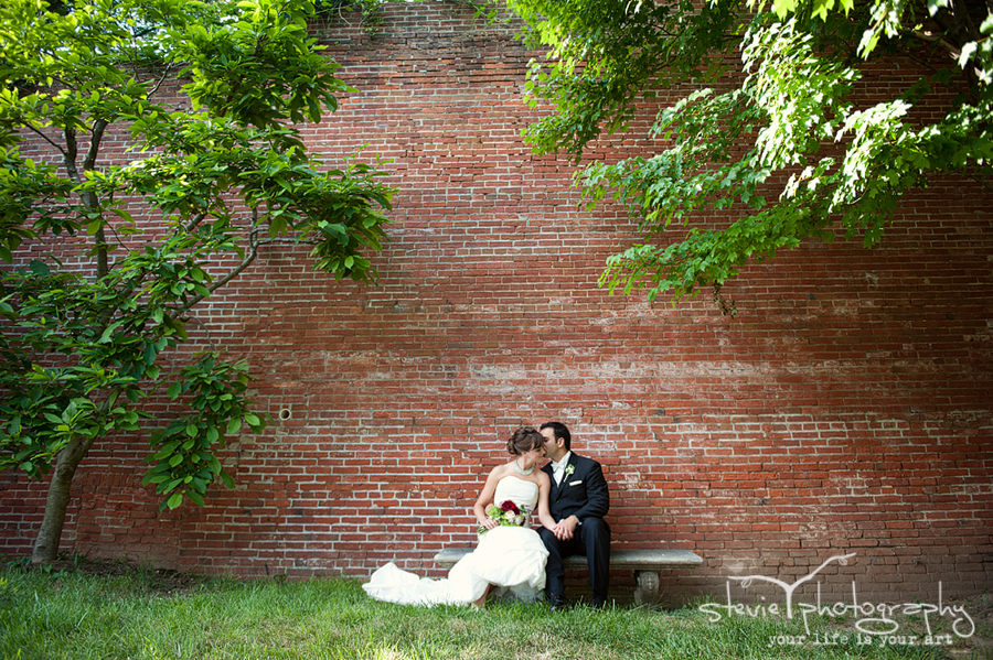 Michelle and John, Evergreen House and Museum, Stevie T Photography