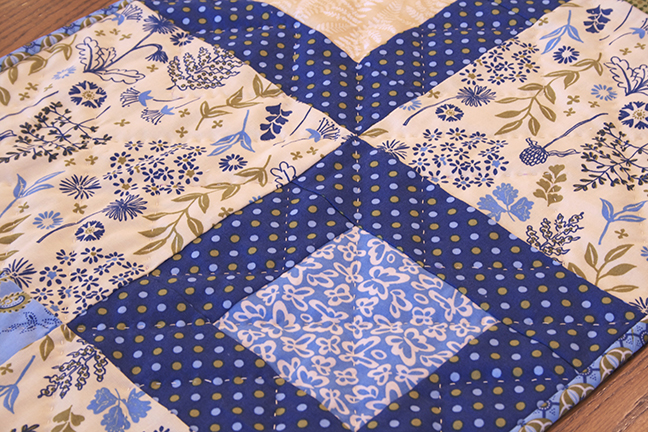 stepping stone table runner 4web