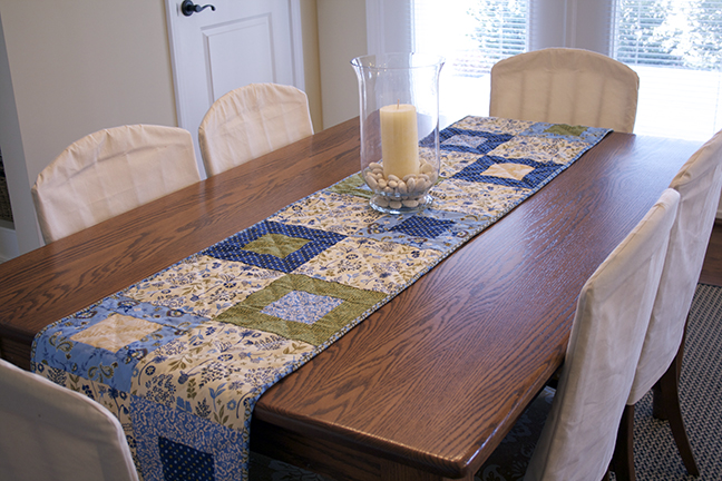 stepping stones table runner 3web