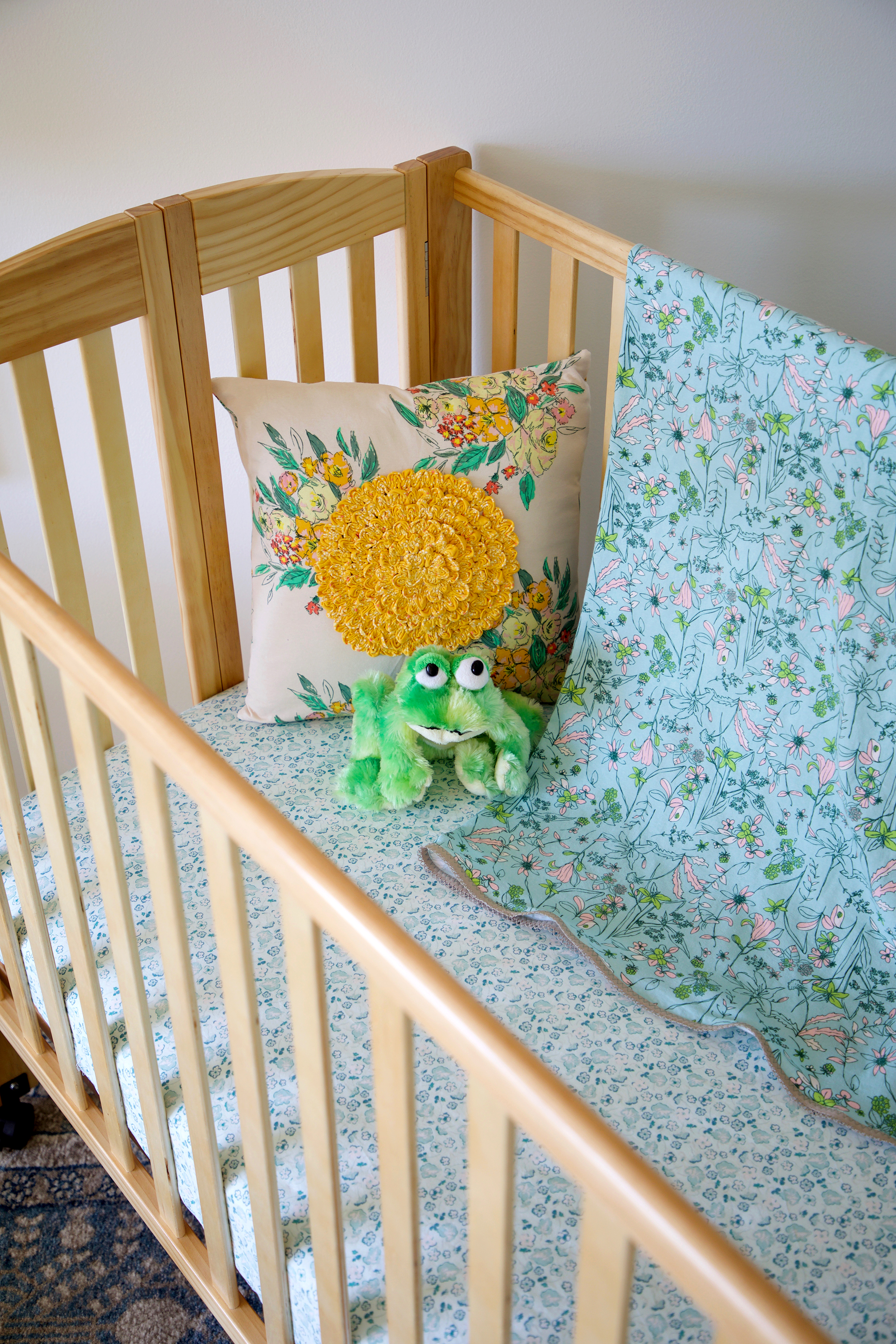 Signatrue Fabrics Crib Sheet Set.jpg