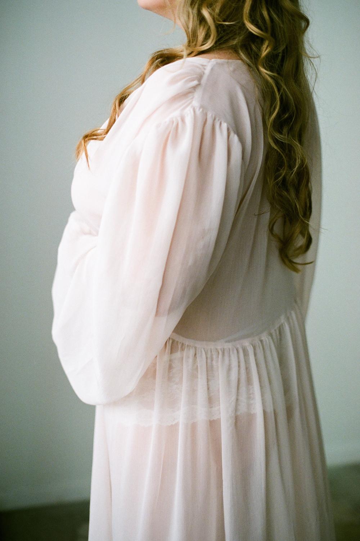 houston-boudoir-photographer-film-photographer-studio-intimate-simple-organic-boho-flowers-neutral-redhead-portraits-5.jpg
