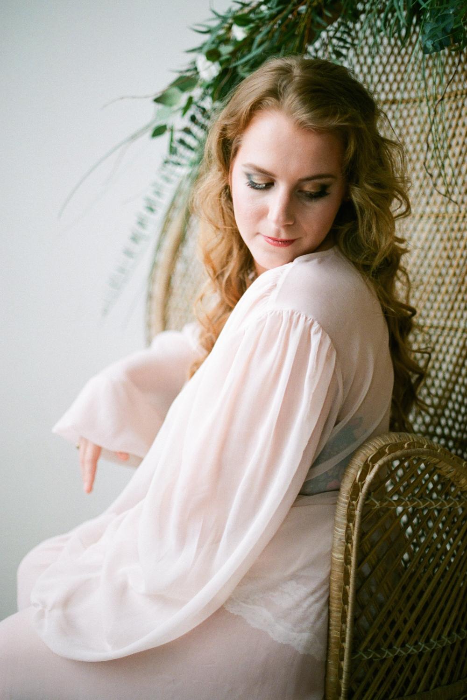 houston-boudoir-photographer-film-photographer-studio-intimate-simple-organic-boho-flowers-neutral-redhead-portraits-7.jpg