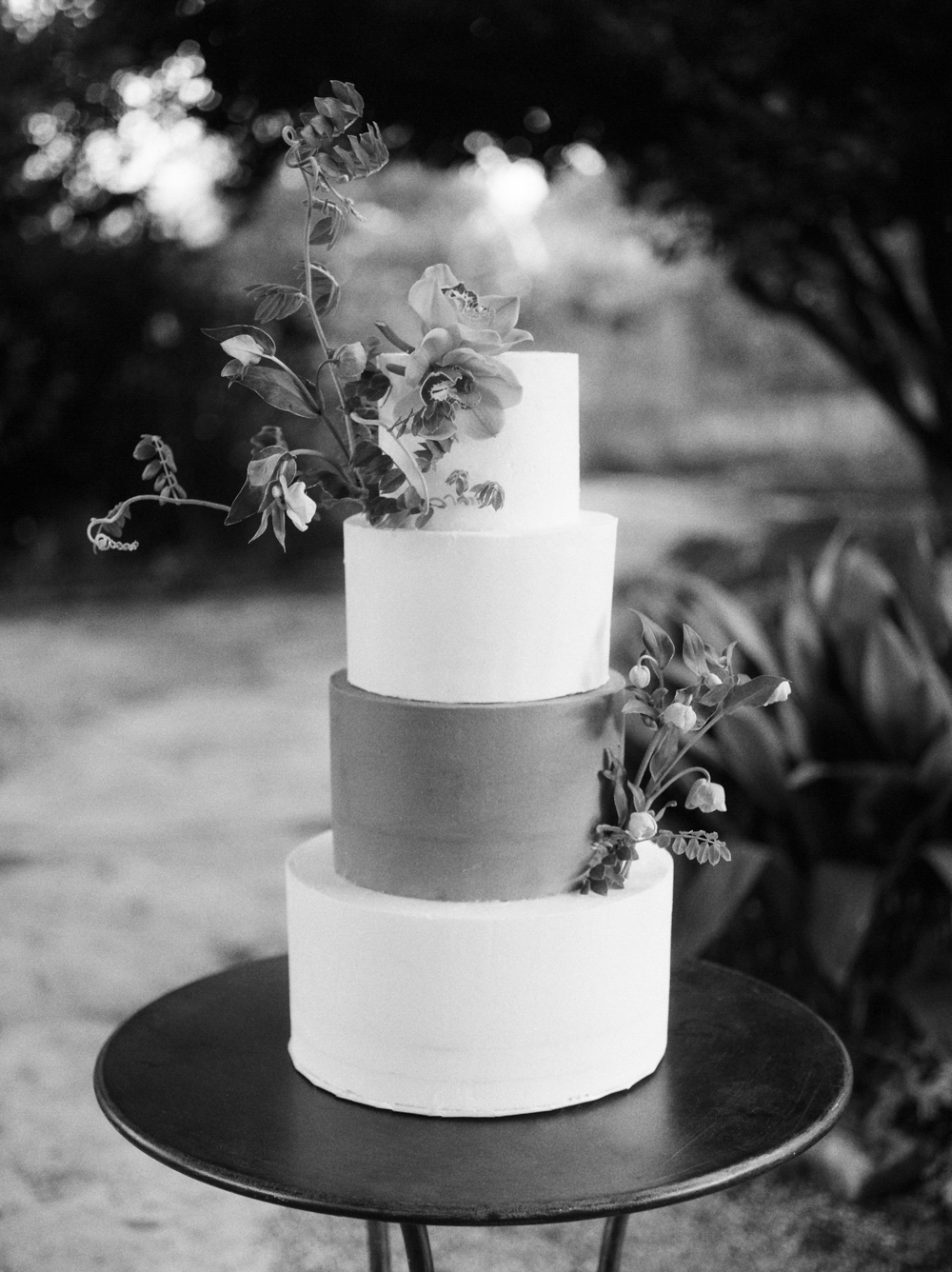 christine-gosch-barr-mansion-austin-wedding-venues-venue-simple-film-photographer-wedding-sparrow-alexandra-grecco-sprout-floals-feathers-and-frosting-classic-inspired-photography-mayhar-design06.jpg