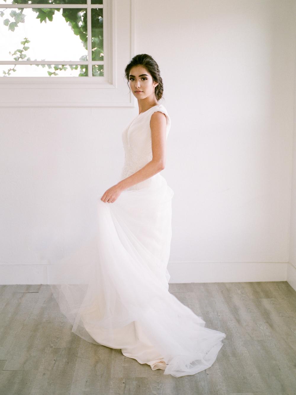 christine-gosch-utah-wedding-photographer-film-photographer-salt-lake-city-spring-utah-wedding-bridal-session-8.jpg