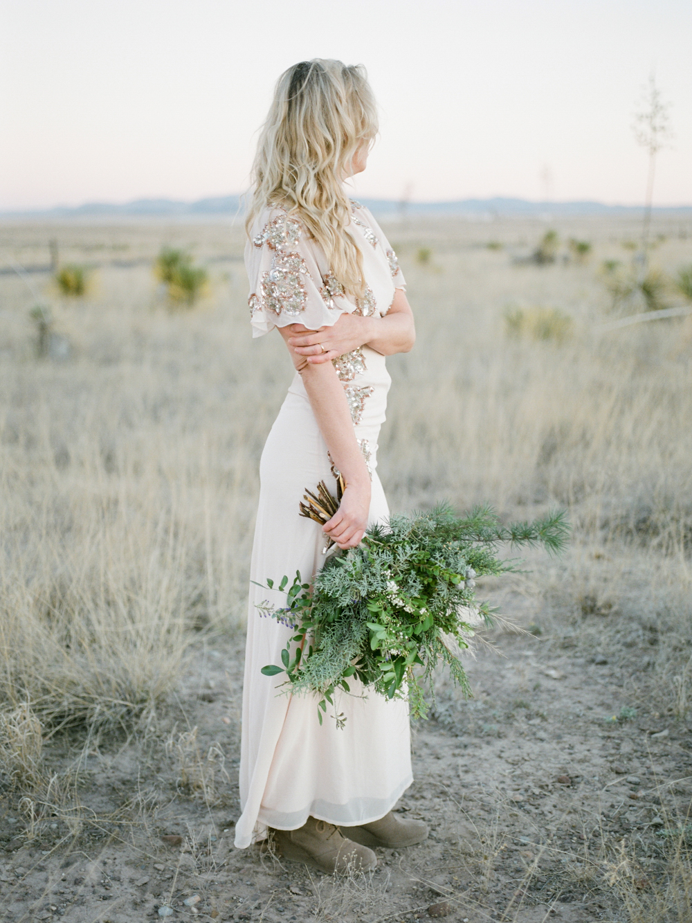 foraged bouquet by flower power productions