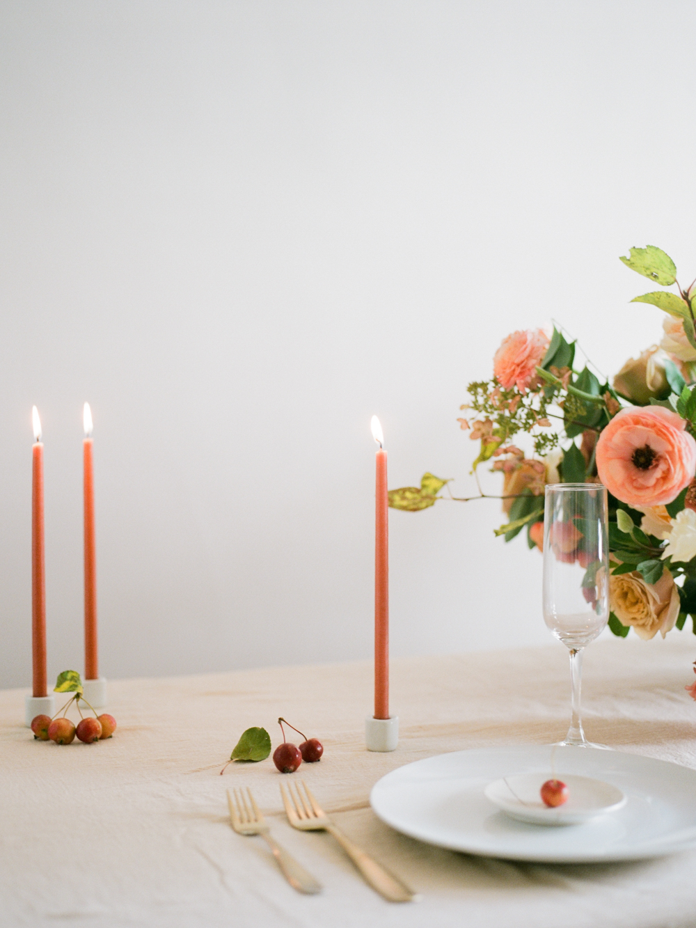 film wedding photographer - Houston wedding photographer - intimate wedding photographer - Christine Gosch - fall wedding inspiration - blush fall wedding - wedding flowers - fall wedding flowers - minimal wedding table inspo - Maxit Flower Design-5.jpg
