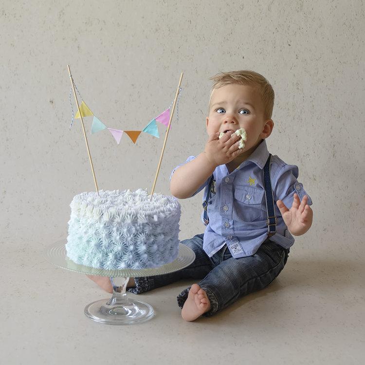 Verrassend Cake Smash — Florence Schmit Photography DF-04