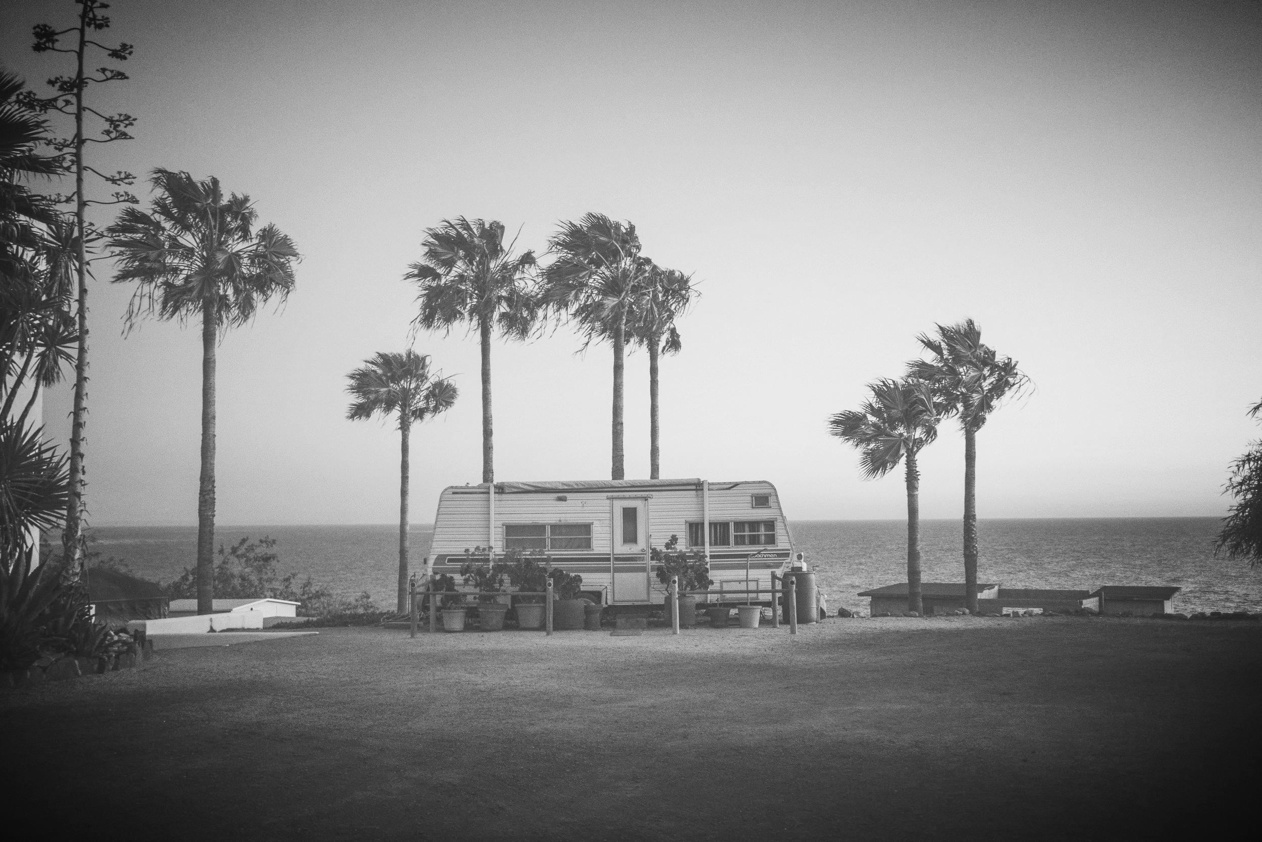 rv-camper-palm-trees-summer-wallpaper.jpg