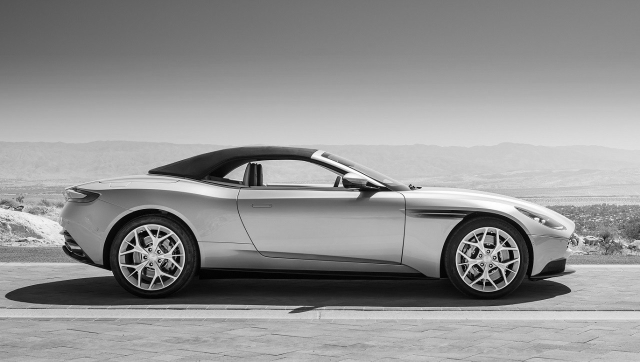Aston-Martin-DB11-Volante-8.jpg