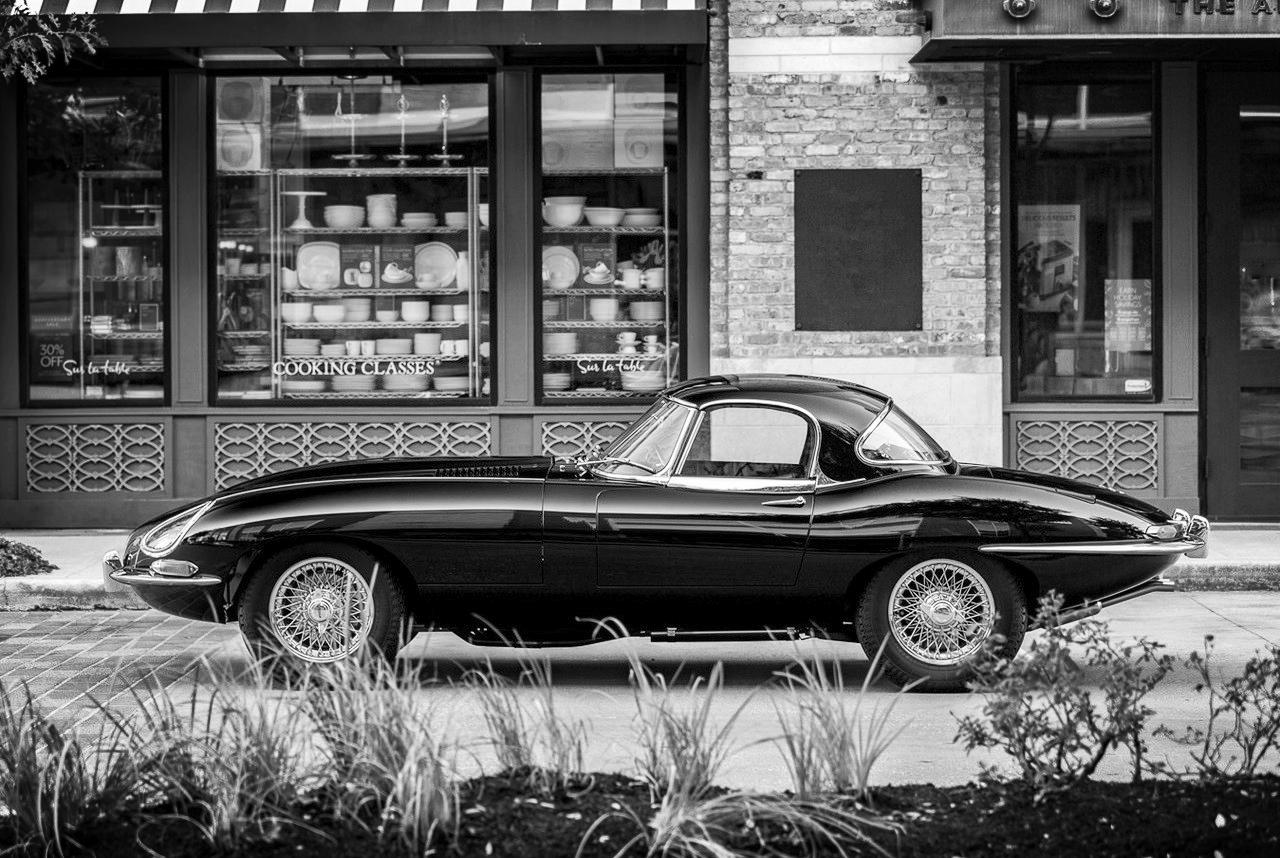 1966-Jaguar-E-Type-Roadster-1.jpg