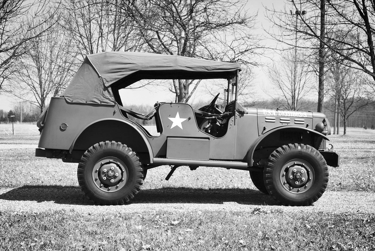 1942-Dodge-Command-Vehicle-15.jpg